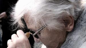 Read more about the article Ästhetische Bildung für Menschen mit dementiellen Veränderungen